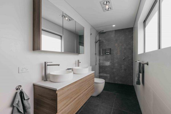 AlexanderHoy_Fresher_Bathrooms-3