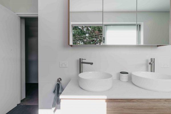 AlexanderHoy_Fresher_Bathrooms-4